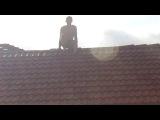 Стриптиз Валаха на крыше бани